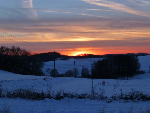 Sonnenuntergang über Schneelandschaft