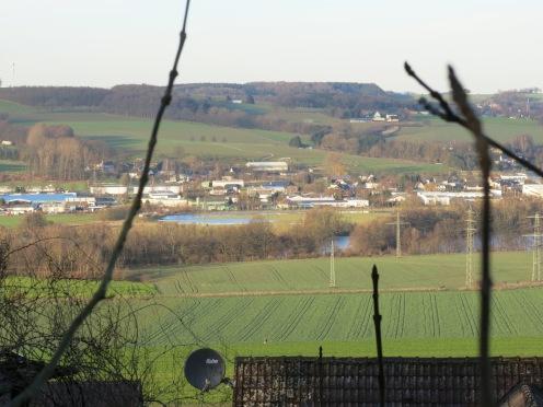 Blick von Menden/Sauerland-Schwitten über das Ruhrtal auf den Haarstrang