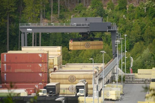 Warsteiner Brauerei mit Containerterminal