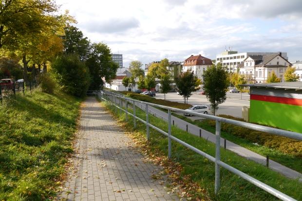 ehem. Ostbahnhof-Gelände, neben Teichstr. (links)