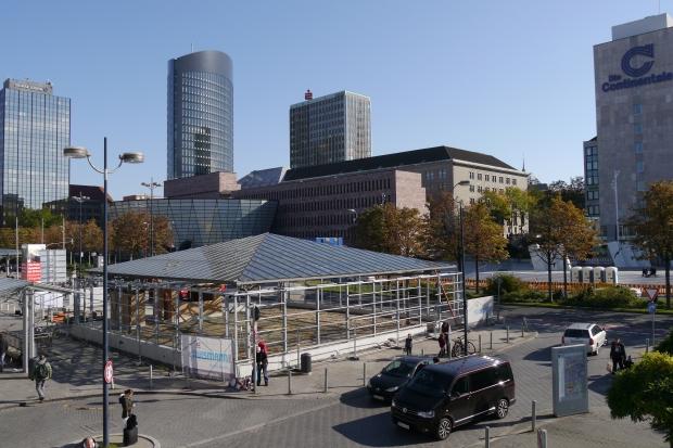 Dortmund, vom Hbf auf Bahnhofsvorplatz und Freistuhl