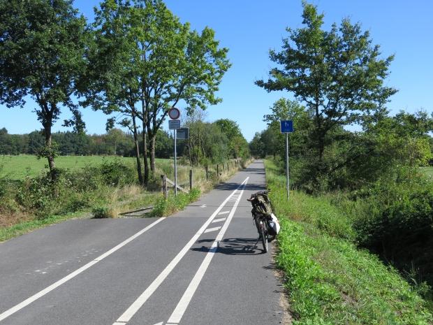 auf dem Vennbahnradweg bei Roetgen-Münsterbildchen